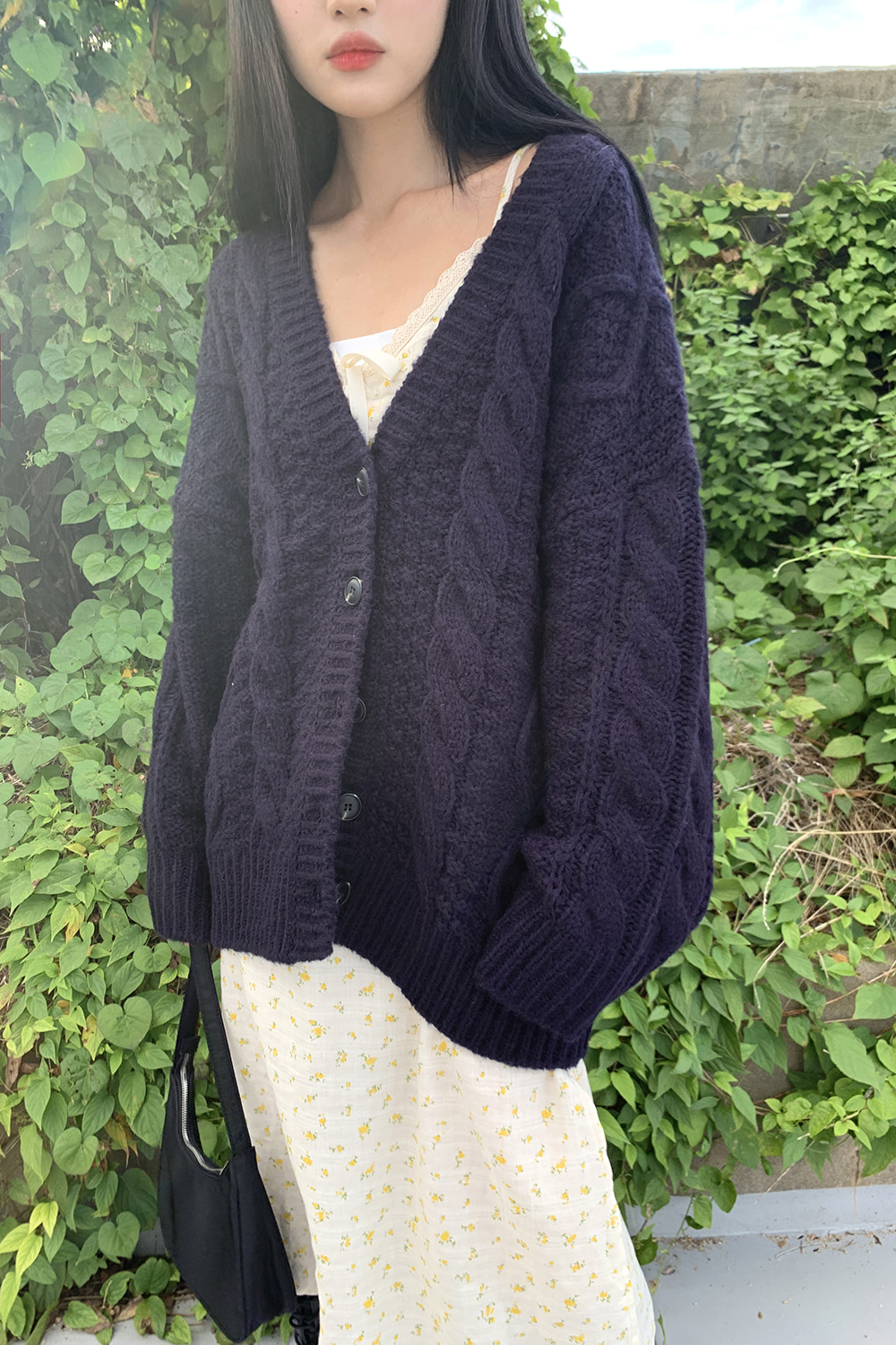 butter wool cardigan (navy)