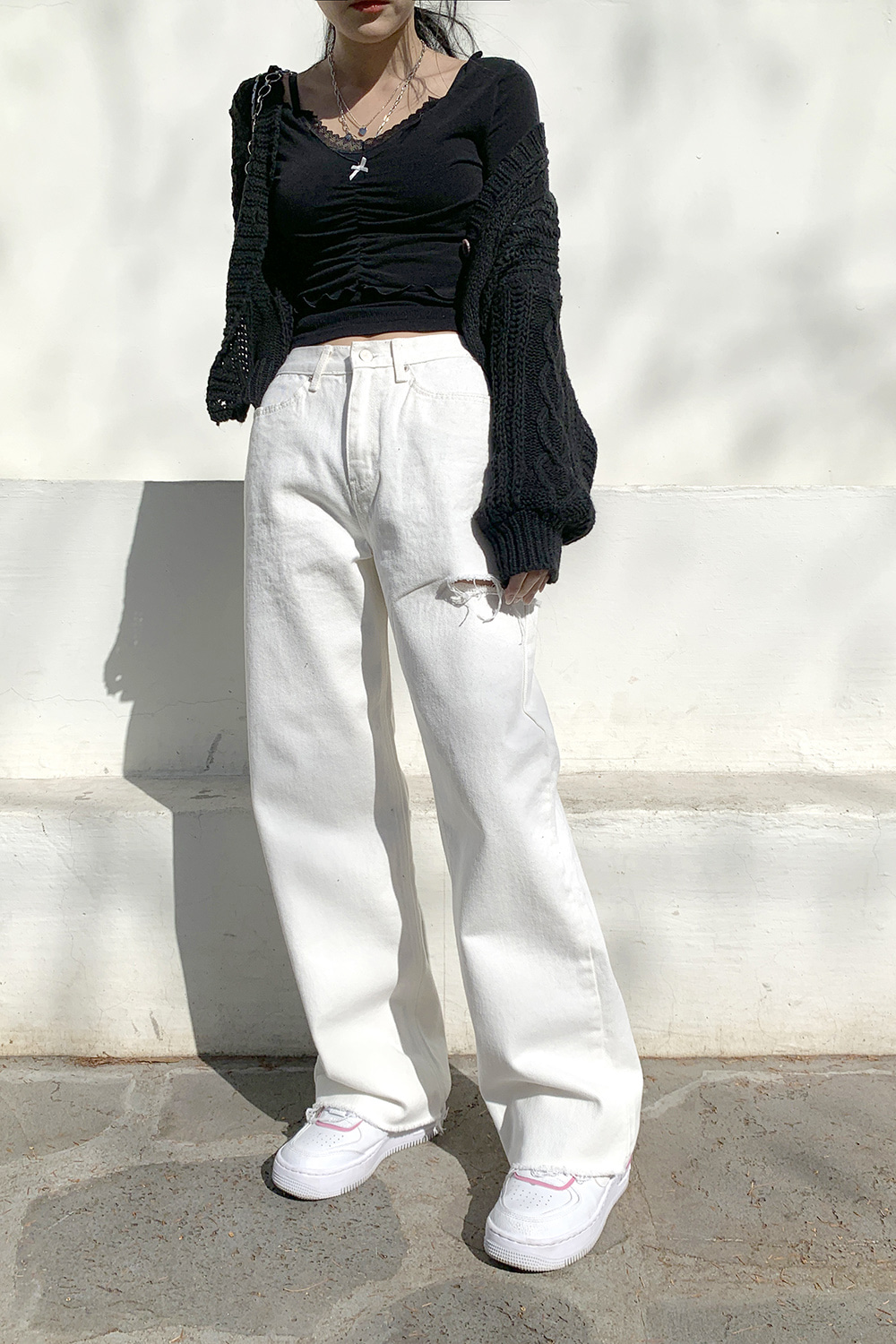 white side cutting pants