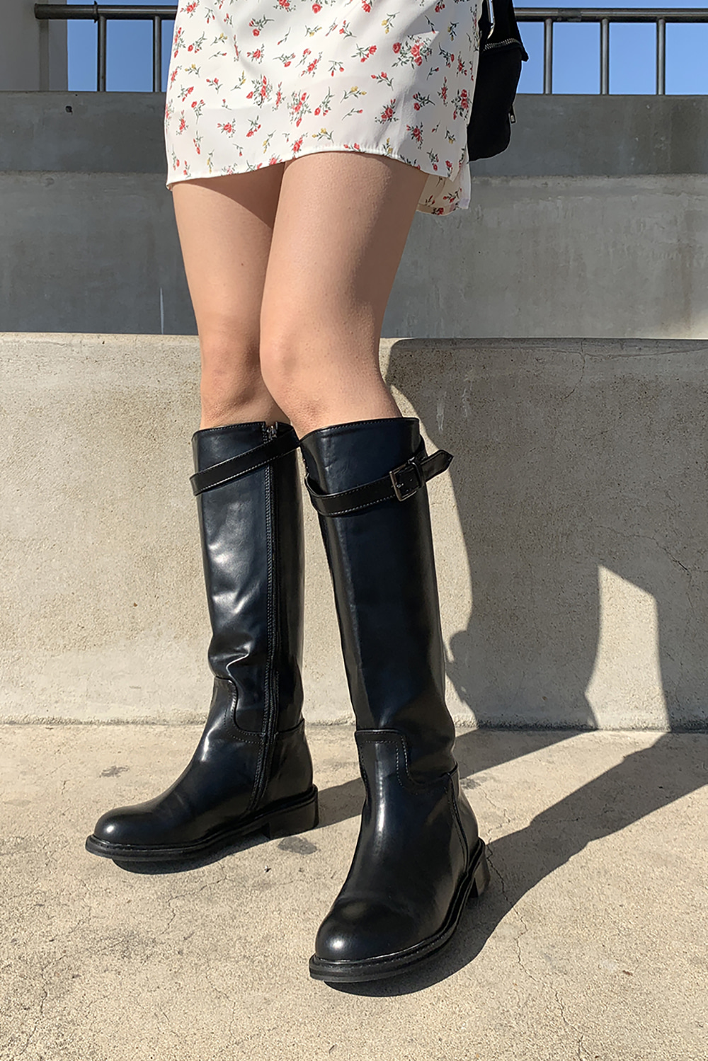 topic buckle boots